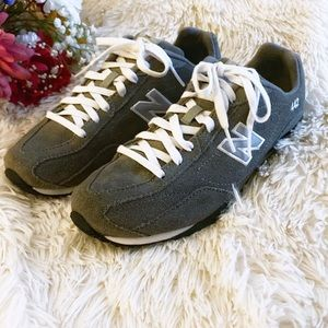 New Balance Gray Suede Leather Sneakers Sz 7